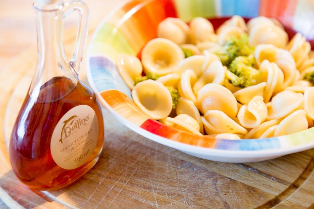 Orecchiette con broccoli e colatura di alici di cetara